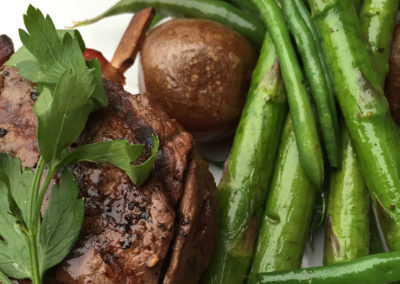 Special: Steak With Asparagus And Roast Potatoes